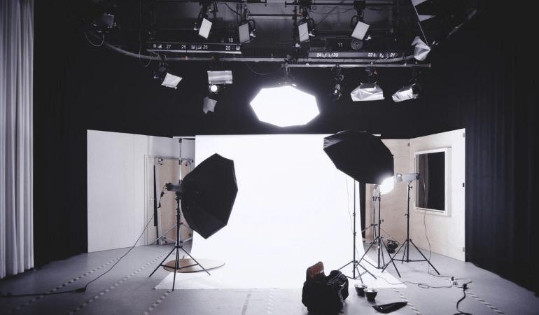 Light camera angle